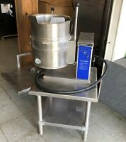 Cleveland Range Electric Steam Soup Kettle KFT-6T W/ Stainless Table