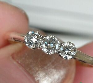 Vintage 18ct Gold Platinum Diamond Trilogy Ring. LARGE SIZE V 1/2