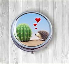 Hedgehog In Love Pill Box Round -hli8Z