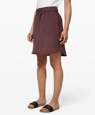 Lululemon On the Fly Skirt Woven Size 4 NWT in Cherry Cola