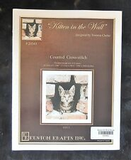 """Kitten in the Wall"" Counted Cross Stitch Leaflet #20343 Kustom Krafts c2013 New"