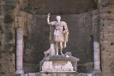 666082 Statue de l'empereur Augustus théâtre romain Orange France A4 papier photo