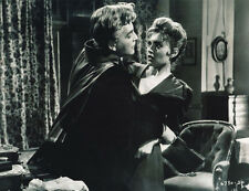 Yvonne Monlaur and David Peel UNSIGNED photo - H7884 - The Brides of Dracula