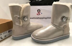 UGG BAILEY BUTTON BLING I DO WHITE BOOT WOMEN SIZE 7 WITH ORIGINAL BOX