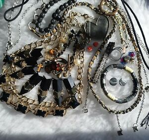 Functional Jewellery Lot With Defects
