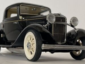 Franklin Mint 1/24 Scale 1932 Black Ford Deuce Coupe