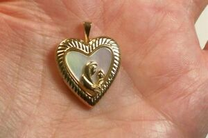 Gorgeous Locket 10K Solid Gold  20 Inches Long Necklace Mother Of The Pearl.