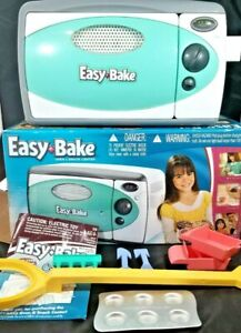 Easy Bake Oven Hasbro model 35230  - Tested Works rare excellent shape
