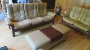 Ekornes Couch Loveseat Coffee Table Leather Three Piece Set Quality