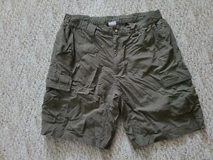 EUC TNF The North Face Men's Hiking Casual Shorts Color Green Size Large L Hike
