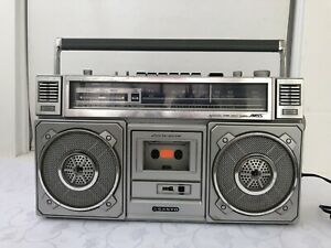 Vintage Sanyo Boombox M 9965 Radio Cassette Recorder Japan 80's Working Complete