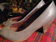 Women's Shoes Heels Size 7 (38) BATA Freeflex Taupe Leather