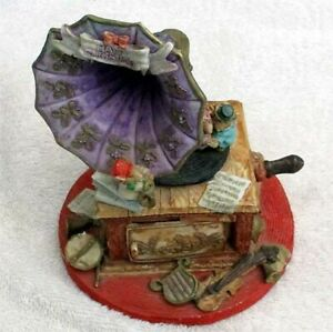 Vintage Christmas Decoration Model Gramophone