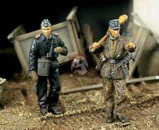 Verlinden 1/35 Waffen-SS Tank Officer & Infantry Ardennes WWII (2 Figures) 1380