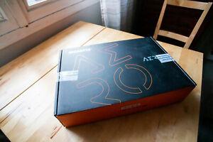 Aero 15 OLED XA-9FR5130SP Gigabyte i9-9980HK, 16Gb DD NVIDIA RTX 2070 8Gb Max-Q
