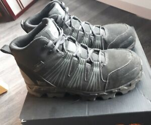TIMBERLAND PRO men's powertrain mid alloy toe SAFETY SHOES size 8 CSA approved