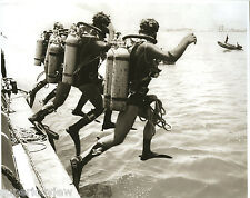 Scuba Diving Israel Frogmen Army Divers Air Tanks Masks Four Military Divers WOW