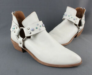 Frye Auth Ivory Leather Western Inspired Style Ankle Bootie Boot Stud Accent 8