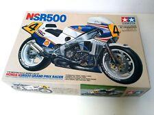 Maquette Tamiya Honda NS 500 Grand prix racer- Wayne Gardner - 1987 -