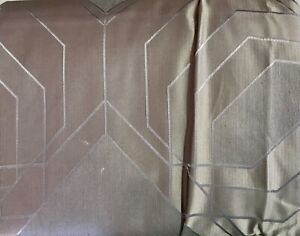 HOTEL COLLECTION EMBROIDERED DIAMOND F/QN DUVET CONTEMPORARY PATTERN DISPLAY