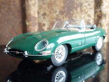Franklin Mint 1961 Jaguar E- Type 1:24 Scale Diecast Metal Model Green Sport Car