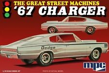 AMT 1/25 PLASTIC MODEL KIT THE GREAT STREET MACHINES 67 CHARGER MPC829