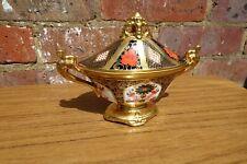 Royal Crown Derby Covered Urn Old Imari 1128 Solid Gold Band