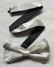 Nuevo De lujo seda MENS corbata de Moño Bowtie Flying Patos Mallard trémulo Pálido Beige