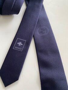 """GUCCI Slim Tie Navy Blue """"Tie Mile"""" Interlocking G Logo 100% Silk Made in Italy"""