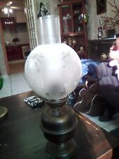 LAMPE A PETROLE DOUBLE GLOBE
