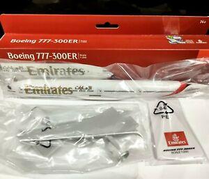 Premier Portfolio Planes 1:250 scale Emirates Boeing 777-300 plastic air model