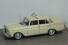 Mercedes 220SE Saloon Taxi - Vitesse 1:43 *37693