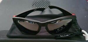 Oakley Ducati Jupiter mens Sunglasses with defect.