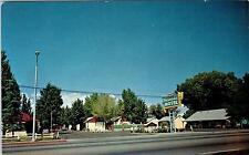 BISHOP, CA California   HACIENDA  MOTEL   c1950s    Roadside    Postcard