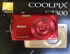 Nikon COOLPIX S3300 16,0 MP Digitalkamera + 2GB - Rot