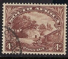 SOUTH AFRICA 1927 - 52 4d Brown Used stamp.(777 )
