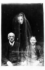Photo 1919 Scary Freak - Haunted Elderly Husband & Wife With Young Female Spirit
