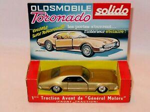 SOLIDO 150 OLDS TORONADO ON DISPLAY PLINTH. SUPERB EXAMPLE IN CLEAN DISPLAY BOX.