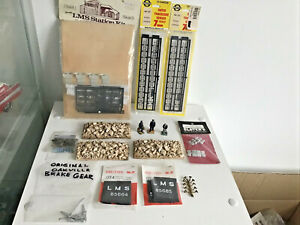 O GAUGE ASSORTED WAGON PARTS & BUILDING KIT ITEMS COUPLING GOOD CONDITION JOBLOT