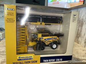 1/64th Scale New Holland Twin Rotor CR8.90 Combine 2018  Farm Show
