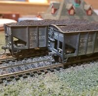 Athearn Roundhouse weathered C&O coal  hopper cars lot of 2, metal wheels, load