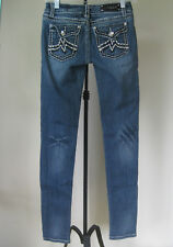 EUC Women's LA IDOL USA Jeans Size 1 W27 L31 Low Rise Medium Wash Some Distress