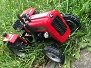 Farm vehicle toys..massey ferguson 1035 tractor model