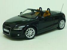 Minichamps 1/18 Scale Metal Model Car 100 015031 -2006 Audi TT Roadster