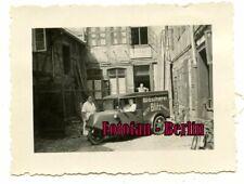 Orig Foto Familie posiert mit LKW Dreirad Goliath / Borgward Braunschweig 30er