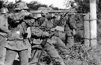 WW2 Picture Photo 1942 Stalingrad German Soldiers Firing Against Russians 2947