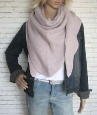Dreieckstuch Tuch Schal mit Wolle Bouclé weich leicht flauschig Blogger rosa