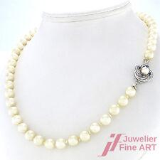 Akoya-Perlenkette - 62 cm - 14K/585 Weißgoldschließe mit 4 Saphiren - 49 g