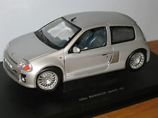 RARE REVELL 1/18 28501 - RENAULT SPORT CLIO V6  BOXED CONDITION - DAMAGED
