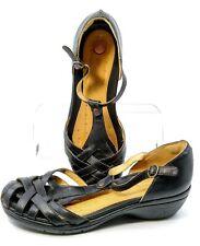 Clarks Unstructured Un.Helm Sandal Women's 11 M Black Leather T-Strap Woven Heel